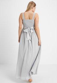 Dorothy Perkins Curve - SHOWCASE NATALIE MAXI DRESS - Robe de cocktail - dove grey - 2