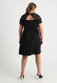 Dorothy Perkins Curve - SHORT FIT AND FLARE DRESS - Cocktail dress / Party dress - black - 2