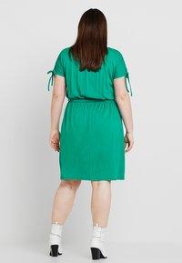 Dorothy Perkins Curve - BUTTON DOWN MIDI DRESS - Jersey dress - green - 2