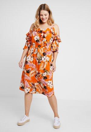 RUFFLE WRAP MIDI DRESS - Denní šaty - orange