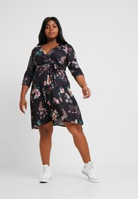 Dorothy Perkins Curve - WRAP DRESS FLORAL - Jerseykjoler - black - 2