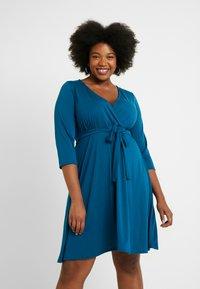 Dorothy Perkins Curve - WRAP DRESS SLEEVE - Vestido ligero - teal - 0