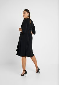Dorothy Perkins Curve - PLEAT NECK 3/4 SLEEVE DRESS - Žerzejové šaty - black - 2