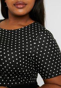 Dorothy Perkins Curve - SPOT CHECK DRESS - Jerseykjole - black - 6