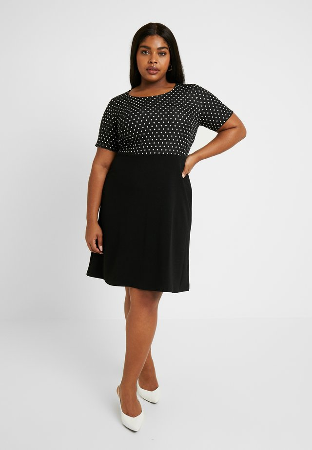 SPOT CHECK DRESS - Žerzejové šaty - black