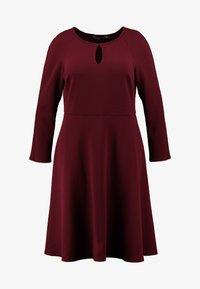 Dorothy Perkins Curve - Vestido informal - red - 3