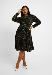 Dorothy Perkins Curve - SPOT KEYHOLE DRESS - Jerseykjole - black - 2