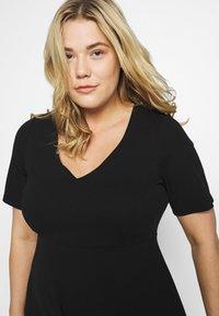 Dorothy Perkins Curve - V NECK DRESS - Žerzejové šaty - black - 5
