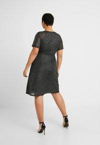 Dorothy Perkins Curve - KEYHOLE FIT AND FLARE - Vestido informal - black - 3