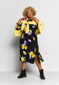 Dorothy Perkins Curve - CURVE FASHION MIDI FLORAL - Maxi dress - multi-coloured - 1