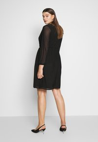 Dorothy Perkins Curve - SPOT WRAP DRESS - Robe d'été - black - 2