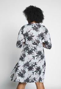 Dorothy Perkins Curve - BRUSHED WRAP DRESS - Jumper dress - multi - 2