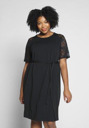 LACE SHOULDER BELTED SHIFT DRESS - Robe de soirée - black