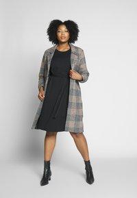 Dorothy Perkins Curve - LACE SHOULDER BELTED SHIFT DRESS - Robe de soirée - black - 1