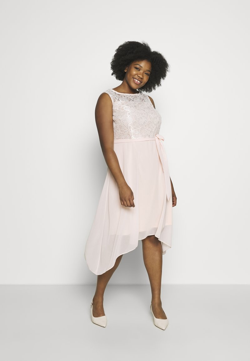 Dorothy Perkins Curve - BILLIE SLEEVELESS LACE LOW MIDI DRESS - Juhlamekko - blush