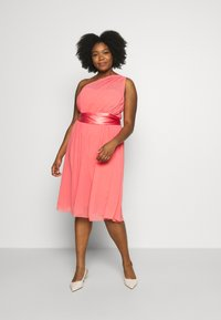 Dorothy Perkins Curve - JENNI ONE SHOULDER MIDI DRESS - Cocktail dress / Party dress - coral - 1