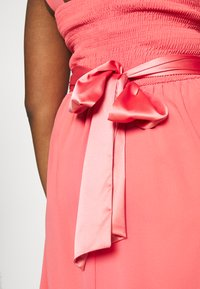 Dorothy Perkins Curve - JENNI ONE SHOULDER MIDI DRESS - Sukienka koktajlowa - coral - 6