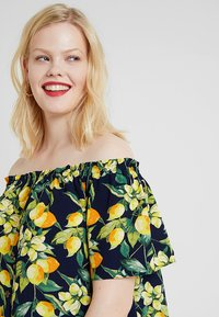 Dorothy Perkins Curve - BUTTON DOWN BARDOT LEMON PRINT - Blouse - navy - 3