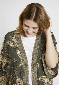 Dorothy Perkins Curve - PAISLEY KIMONO - Summer jacket - khaki - 4