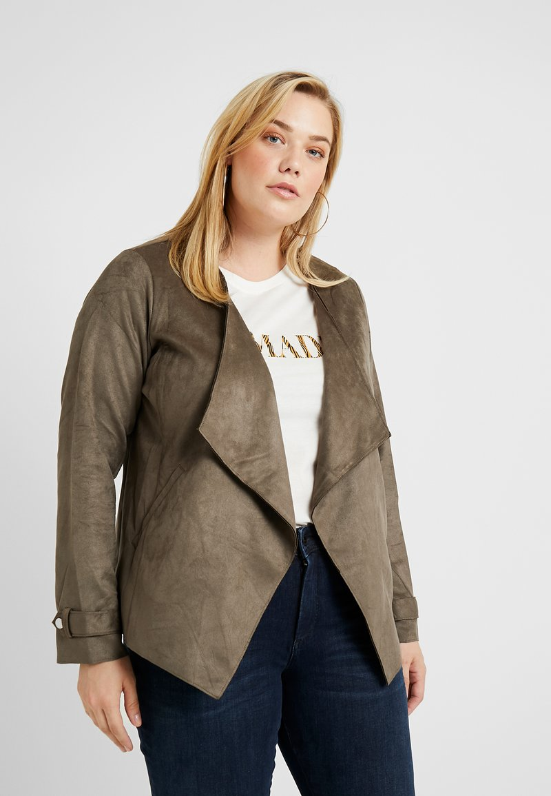 Dorothy Perkins Curve - WATERFALL JACKET - Giacca in similpelle - khaki