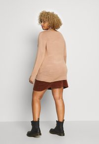 Dorothy Perkins Curve - BUTTON CUFF JUMPER - Sweter - camel - 2