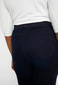 Dorothy Perkins Curve - Spodnie materiałowe - blue - 4