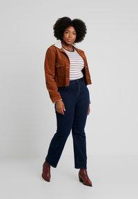 Dorothy Perkins Curve - ELLIS - Jeans bootcut - indigo - 1