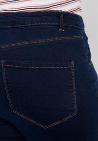 Dorothy Perkins Curve - ELLIS - Jeans bootcut - indigo - 5