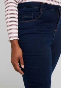 Dorothy Perkins Curve - ELLIS - Jeans bootcut - indigo - 3