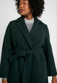 Dorothy Perkins Curve - PATCH POCKET WRAP - Kåpe / frakk - green