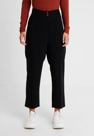 BELTED PEG LEG TROUSER - Pantalon classique - black
