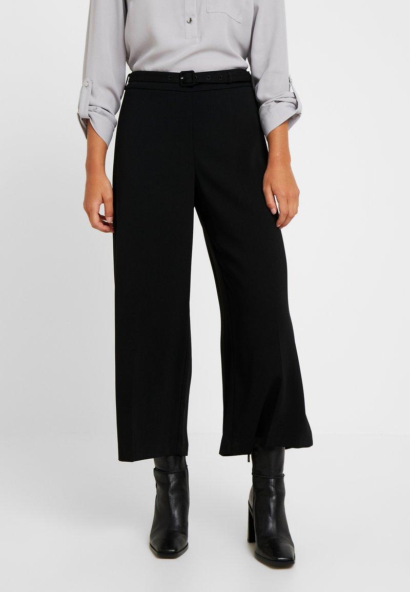 Dorothy Perkins Petite - BELT WIDE LEG TROUSER - Kalhoty - black