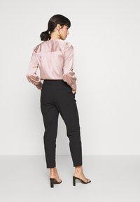 Dorothy Perkins Petite - HIGH WAISTED SLIM LEG TROUSER - Trousers - black - 2