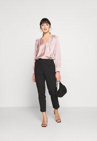 Dorothy Perkins Petite - HIGH WAISTED SLIM LEG TROUSER - Trousers - black - 1