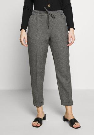 PETITE FORMAL JOGGER - Pantalon classique - grey
