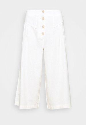 CULOTTE - Pantalones - cream