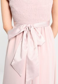 Dorothy Perkins Petite - SHOWCASE NATALIE MAXI DRESS - Ballkleid - peach - 6