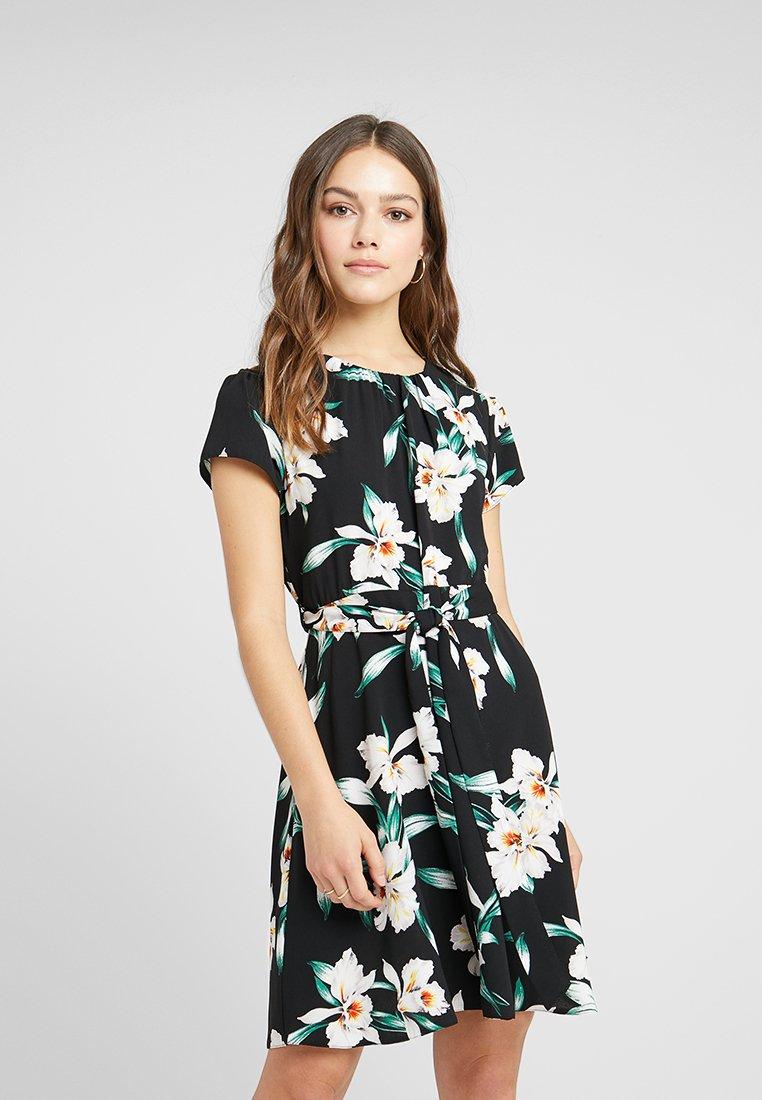Dorothy Perkins Petite - MADRID ELEANOR FIT AND FLARE DRESS - Vestido informal - black