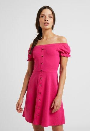 PLAIN BUTTON THROUGH BARDOT - Jerseyjurk - pink