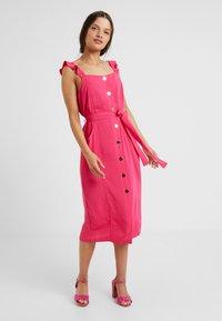 Dorothy Perkins Petite - HOT DRESS - Košilové šaty - pink - 1