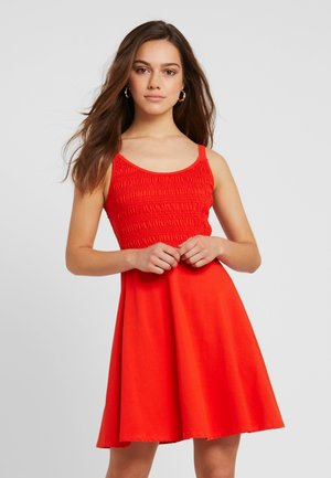 SHIRRED CAMI SHORT LENGTH - Sukienka z dżerseju - coral