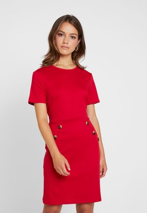 BUTTON SHIFT - Vestito di maglina - red