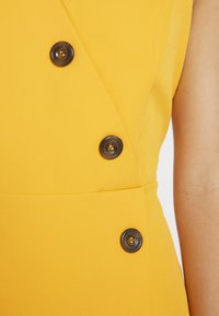 Dorothy Perkins Petite - BUTTON FRONT TAILORED DRESS - Tubino - ochre - 5