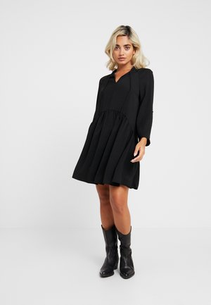 SMOCK DRESS - Vardagsklänning - black