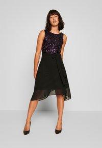 Dorothy Perkins Petite - BILLIE LABEL  - Koktejlové šaty/ šaty na párty - purple - 2