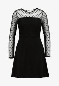 Dorothy Perkins Petite - DOBBY FIT AND FLARE DRESS - Vestito di maglina - black - 4