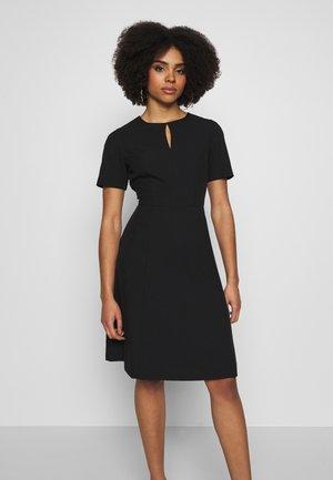 KEYHOLE - Korte jurk - black