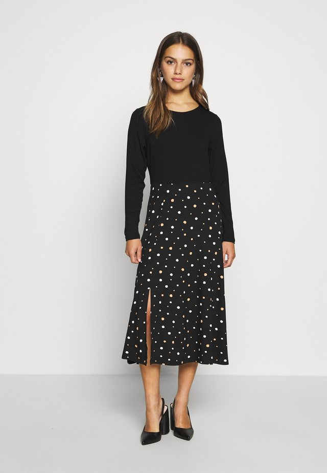 MIDI DRESS - Jerseyklänning - black