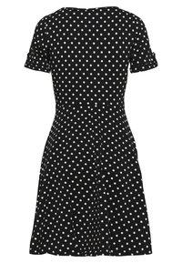 Dorothy Perkins Petite - SPOT DRESS - Žerzejové šaty - black - 1