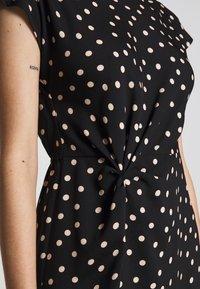 Dorothy Perkins Petite - SPOT DRESS - Denní šaty - black - 6